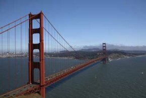 The Golden Gate Bridge is destined to become the landmark of a trash-free haven by 2020.