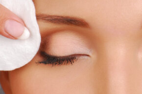 Using cleansing wipes can keep the eye area clean and help youavoid conditions like conjunctivitis. See more getting beautiful skin pictures.