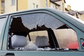 Let's hope the driver of this car has comprehensive coverage. Otherwise he's out of luck. See more car safety pictures.