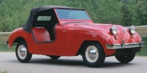 The 1950 Crosley Hotshot was offered in the doorless version above, as well as a model with conventional doors, called the Super Sports.
