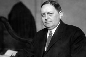The Underwood Tariff Act, named for the pleasant-looking Sen. Oscar Underwood, re-instated the federal income tax.