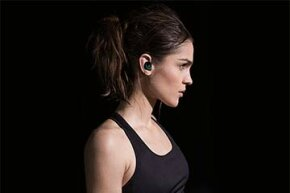 Dash headphones allow users to listen to music without cumbersome wires -- and to also keep track of their workouts.