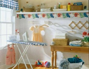 As cheerful as a button, this workday laundry room can't help but make you smile.