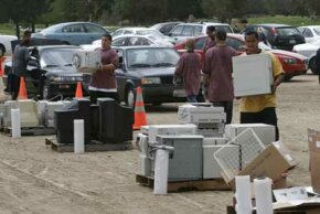 People in Encino, Calif., took advantage of the WorldFest 2006 Earth Day celebration by dropping off their old electronics for a local company to recycle.