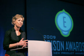 Dr. Susan Desmond-Hellmann accepts the 2009 Edison Achievement Award for her work as the president of new product development at Genetech. The awards annually honor the top cutting-edge products, organizations and business executives.