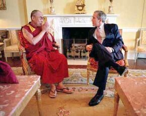The Dalai Lama met with President George W. Bush on May 2001.