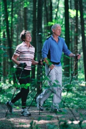 Thirty minutes of daily walking is enough to prevent weight gain.