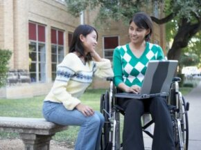 What financial aid options are available for students with disabilities?