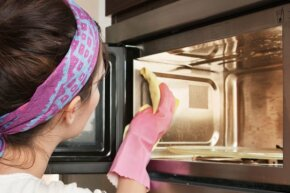 Elbow grease will no longer be required for microwave cleaning jobs.