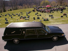 Sayers and Scovill introduced the landau-style hearse in the 1930s. This form of hearse is still popular today.