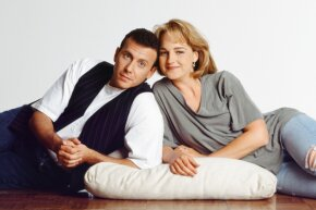 """Helen Hunt and Paul Reiser fought for a huge pay raise as the stars of """"Mad About You"""" and won."""