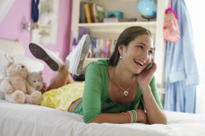 Updating your tweens' room doesn't need to be an expensive endeavor.