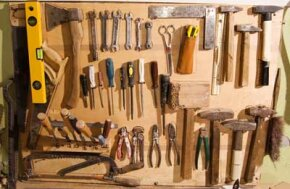 The aspiring do-it-yourselfer has a wide range of home repair tools from which to choose.