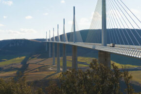 Bridge Image Gallery The Millau Viaduct spans the Tarn River Valley in Southern France. See more bridge pictures.