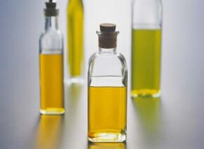 ©2007 Publications International, Ltd.                              Olive oil comes in several different grades. Distinctions are based                                            on the acid content, but higher grades tend to have more flavor.