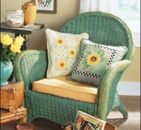 Learn how to stencil this Sunflower Pillow in this article.