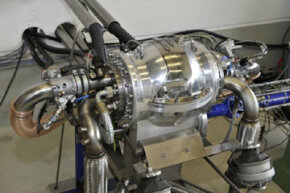 The Hüttlin-kugelmotor (spherical engine) on the test stand -- fueled by CNG