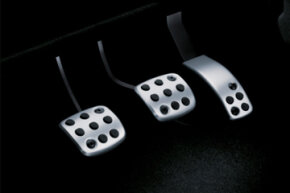 Image Gallery: Brakes Has your brake pedal ever gone all the way to the floor when you're trying to slow or stop your car? See pictures of brakes.