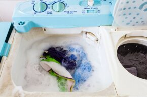 If you jam-pack your washing machine in an effort to save money on additional loads, you're actually shortchanging the washing process.