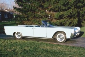 The 1961 Lincoln Continental convertible was downsized and more successful than the behemoths of the recent past.