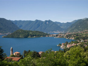 Beautiful lake vistas, scenic wine roads and a plethora of Italy's best restaurants await the Lombardy traveler. See our collection of wine pictures.