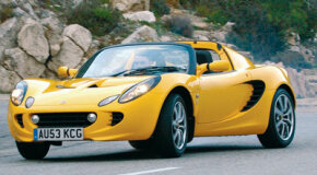 The stock Elise features eight-spoke, cast-alloy wheels.