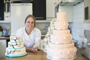 Indulge your creative side and make extra money by baking beautiful cakes like these.