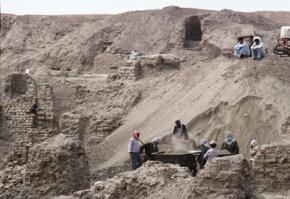 1979 excavation of Babylon, one of the ancient cities of Mesopotamia.