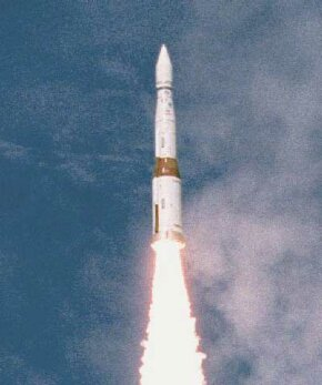 A payload vehicle launched from the Army's Kwajalein Missile Range in the central Pacific Ocean during Integrated Flight Test 5 on July 8, 2000. This particular test was unsuccessful.