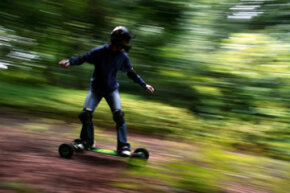 Mountain boards combine the best characteristics of snowboards and skateboards.
