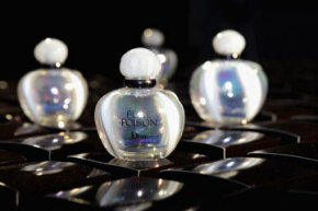 Even top perfume houses like Dior use only synthetic fragrances.  Why?