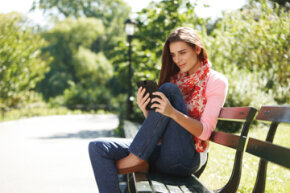 Reading outdoors on a glaringly sunny day? The Nook Tablet claims to have you covered.