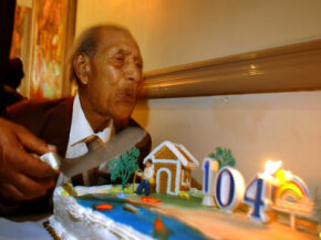Los Angeleño George Smith celebrates his 104th birthday in 2002.
