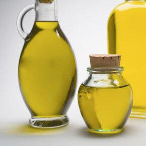 Olive oil may help moisturize skin.
