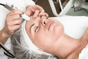Oxygen facials aim to plump the skin without the splotches that traditional facials can leave behind. See more getting beautiful skin pictures.