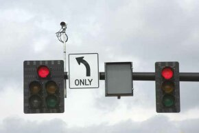 Red light cameras have proven very unpopular with the public and have been discontinued in several U.S. cities.