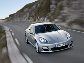 Will the Porsche Panamera hybrid be the definitive hybrid sport sedan?