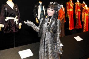 Magician Princess Tenko attending an auction of Michael Jackson memorabilia in 2010.