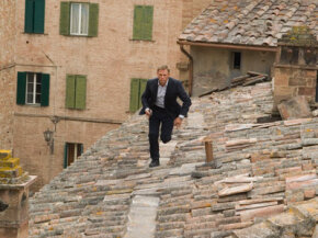 """Daniel Craig performed the majority of his own stunts in """"Quantum of Solace."""""""