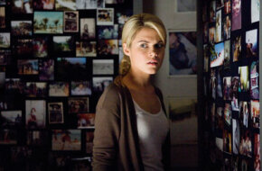 Jane (Rachael Taylor) is troubled by a room of disturbing spirit photography imagery.