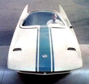 Had Exner not had to ship out to Korea in 1958, he might have added the pop-up headlights he was contemplating to the already Sting Ray-like frontal ensemble.