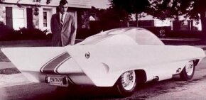 Exner Jr. and Sr. espoused wedge-shaped fins. The Simca Special took the 'wedge look' to the extreme.