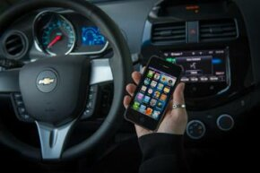 Chevrolet Spark and Chevy Sonic LTZ and RS models will integrate Apple's voice-activated Siri software into their Chevy MyLink systems. Other carmakers are bringing Siri to their autos too.