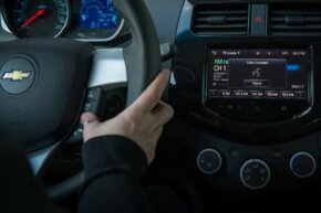 Drivers with a compatible iPhone (iOS 6) can direct Siri to perform tasks while they safely keep their eyes on the road.