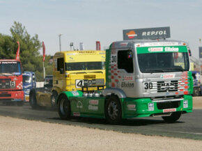 The trucks in this racing series are big, powerful and fast, with more than 1,000 horsepower and 6,000 pound feet of torque.
