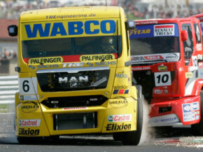 Super truck racing made a brief appearance in the United States during the 2001 race season.
