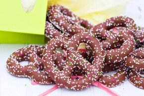 Chocolate-covered pretzels: a favorite snack of sweet/salty aficionados.