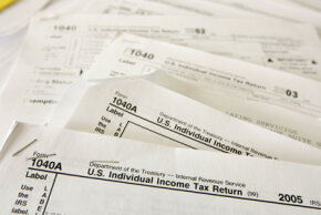 In 2006, the federal income tax filing deadline was April 17. The customary April 15 deadline happened to be on a Saturday, and federal law prohibits tax filing and payment deadlines from falling on weekends.