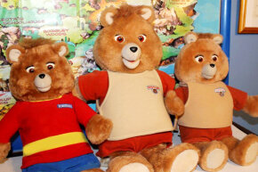 The Teddy Ruxpin toy spoke and appeared to interact with children thanks to cassette tapes and animatronic motors.