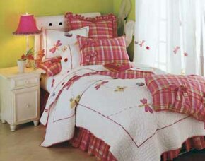 A bed ensemle of frisky butterflies matches well with garden-fresh colors.